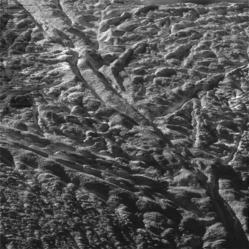 Tiger stripes on enceladus