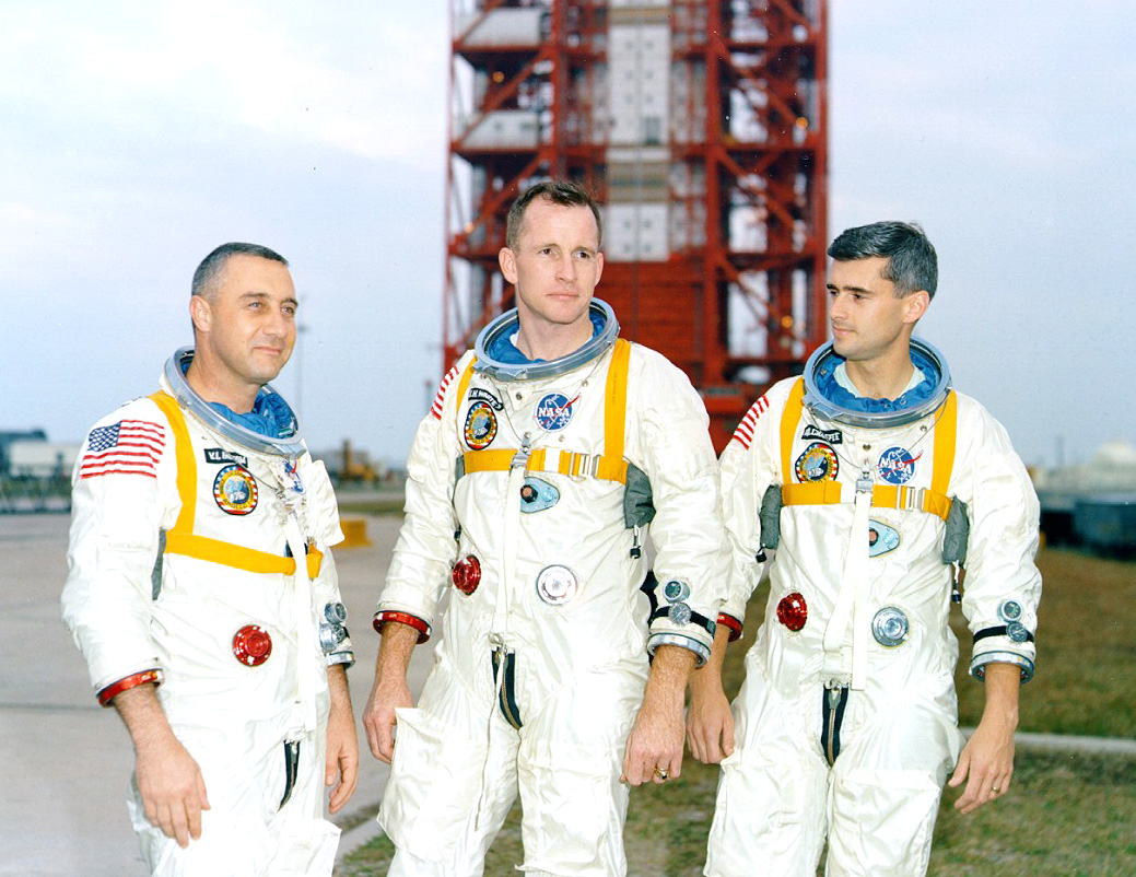 apollo space crews - photo #35