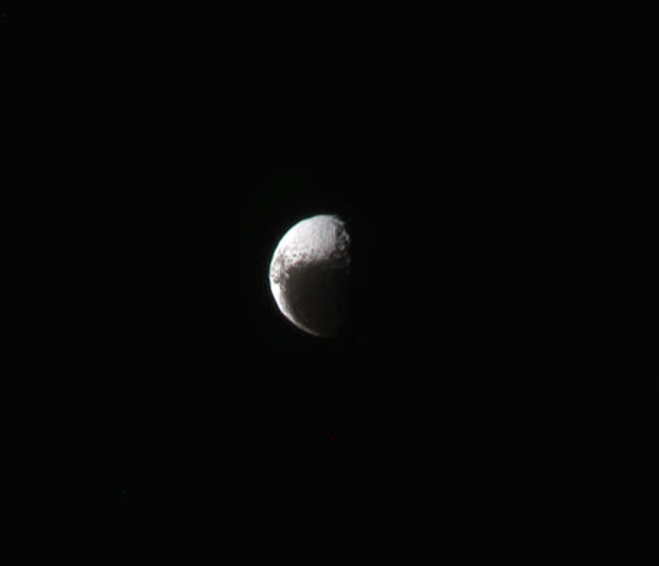 Saturn's double-colored moon Iapetus