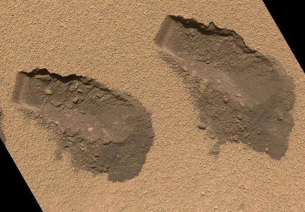 "Trenches dug by Curiosity in a region called ""Rocknest"" in October 2012 (NASA/JPL-Caltech/MSSS)"