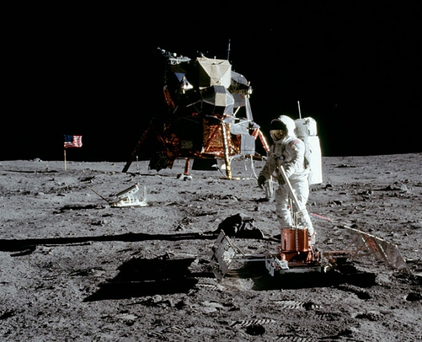 Buzz Aldrin on the Moon with a lunar seismic experiment, July 20, 1969 (NASA photo)