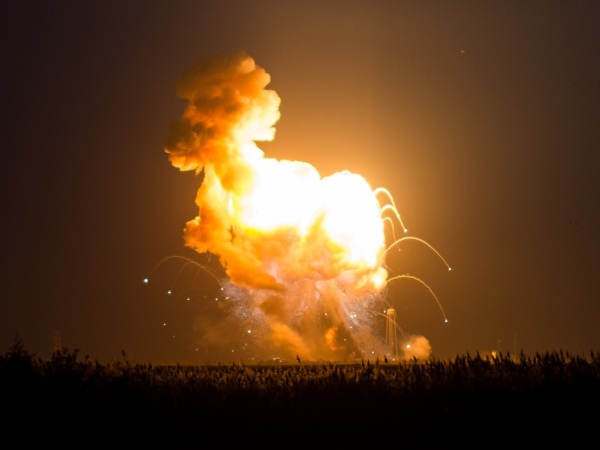 Explosion of the Antares rocket and Cygnus resupply vehicle on October 28, 2014. Credit: NASA/Joel Kowsky