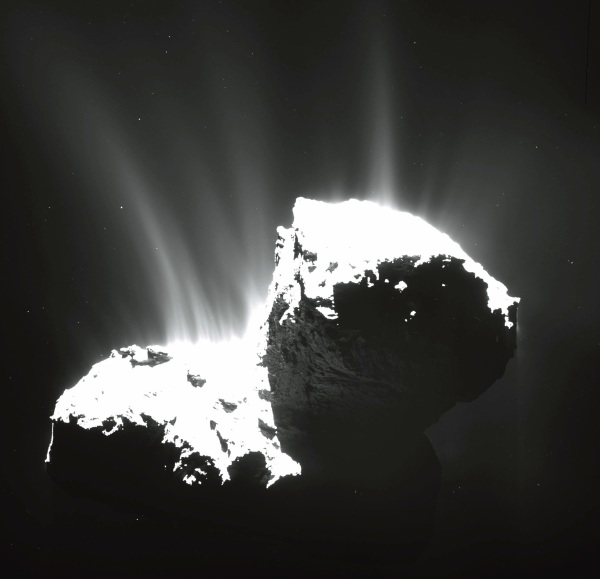 OSIRIS image of comet 67P/C-G from November 2014 (MPS/UPD/LAM/IAA/SSO/INTA/UPM/DASP/IDA)
