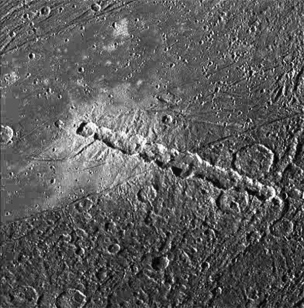 Galileo image of a crater chain on Jupiter's moon Ganymede (NASA/JPL)