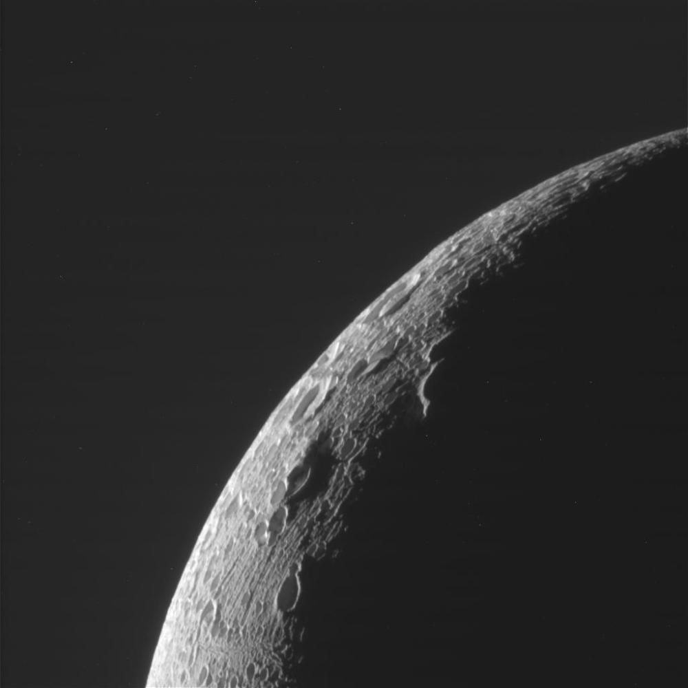 Narrow-angle camera image of Enceladus' limb, captured on Dec. 19, 2015. (NASA/JPL/SSI)