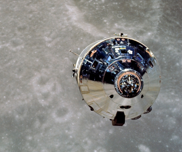 "The Apollo 10 CM ""Charlie Brown"" photographed from the LM ""Snoopy"" in lunar orbit (NASA)"
