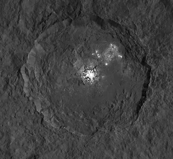 Bright reflective material in Ceres' Occator crater, imaged by NASA's Dawn spacecraft in Sept .2015. Credit: NASA/JPL-Caltech/UCLA/MPS/DLR/IDA.