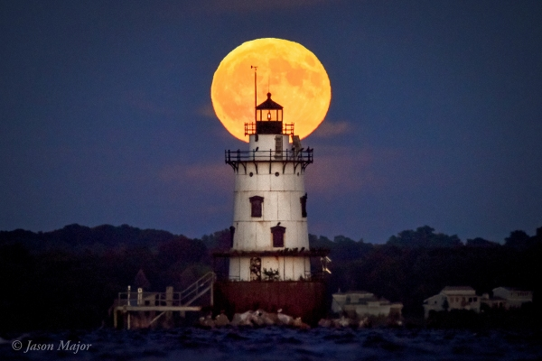 Full Moon rising over the Conimicut Point Light in Warwick, RI. Sept. 16, 2016. © Jason Major.